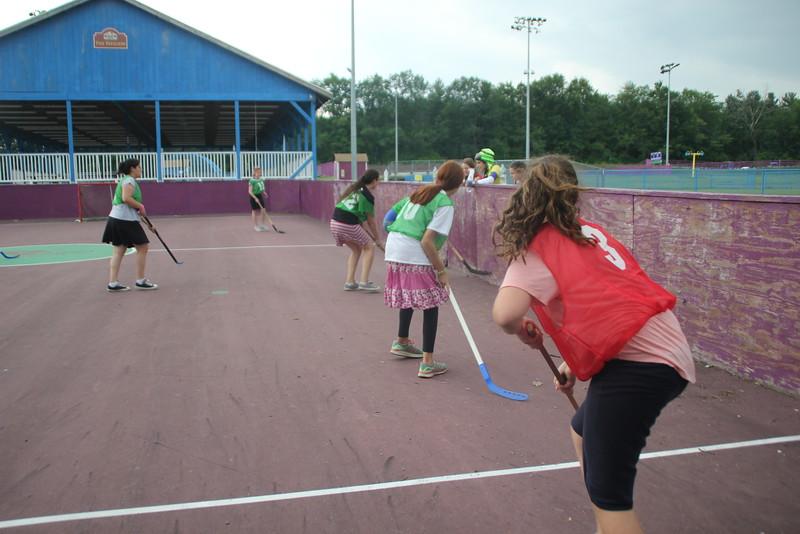 kars4kids_thezone_camp_GirlDivsion_activities_sports_hockey (9).JPG