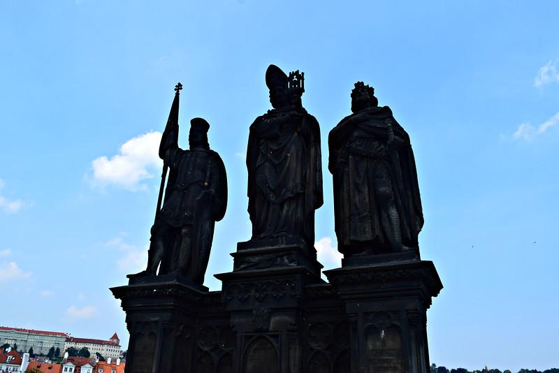Estatuas de San Norberto, San Venceslao y San Segismundo
