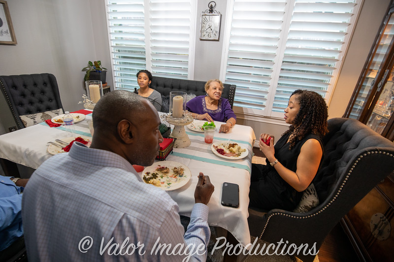 ©2019 Valor Image Productions Lewis Thanksgiving-15177.jpg