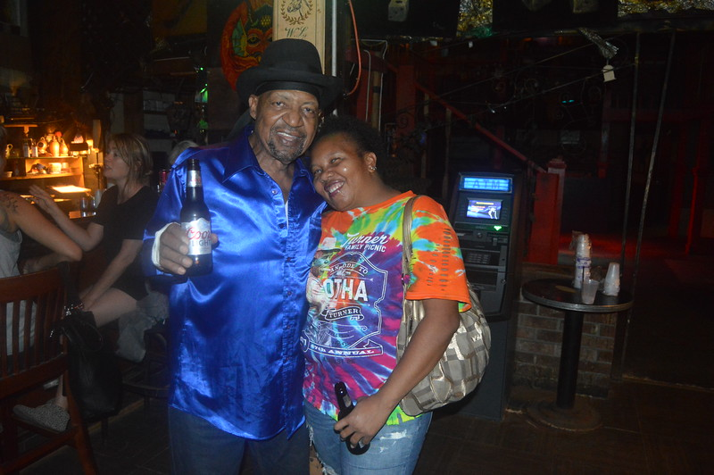 158 Guitar Lightning Lee & Sherena Boyce.JPG