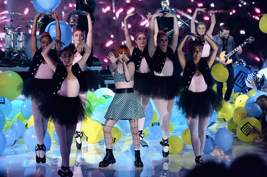 . Singer Hayley Williams (C) of Paramore performs onstage during the Teen Choice Awards 2013 at Gibson Amphitheatre on August 11, 2013 in Universal City, California.  (Photo by Kevin Winter/Getty Images)