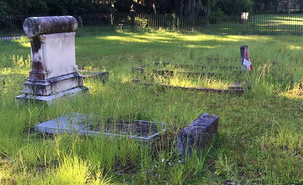 Oak Grove Cemetery in need of care 09-08-18