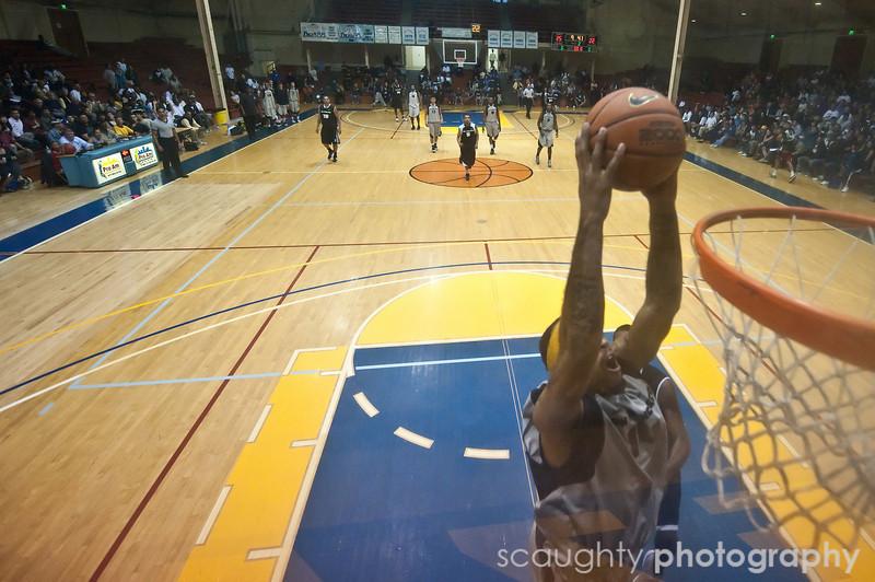 08-12-09_Edited_SF_Summer_League_Roeder_5.jpg