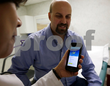 doctors-say-fitness-trackers-health-apps-can-boost-care