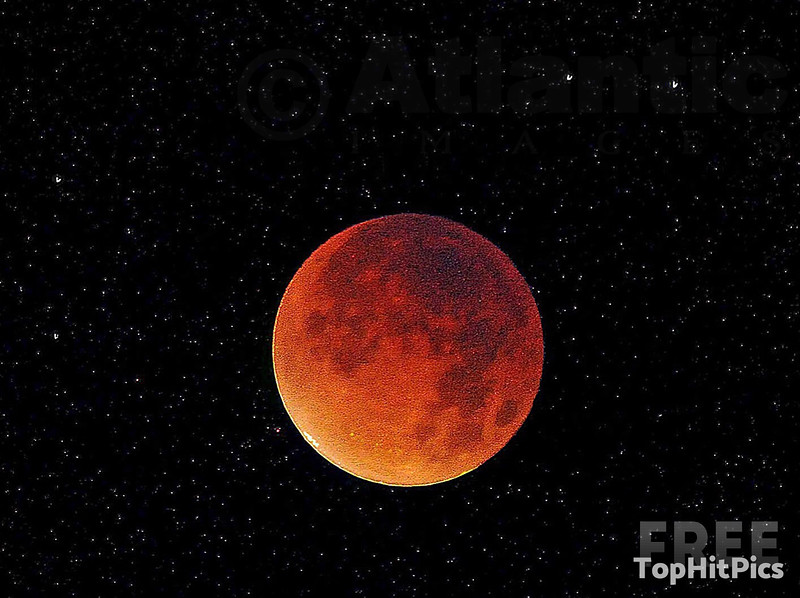 The Blood Moon on September 2015 Lunar Eclipse, London, England