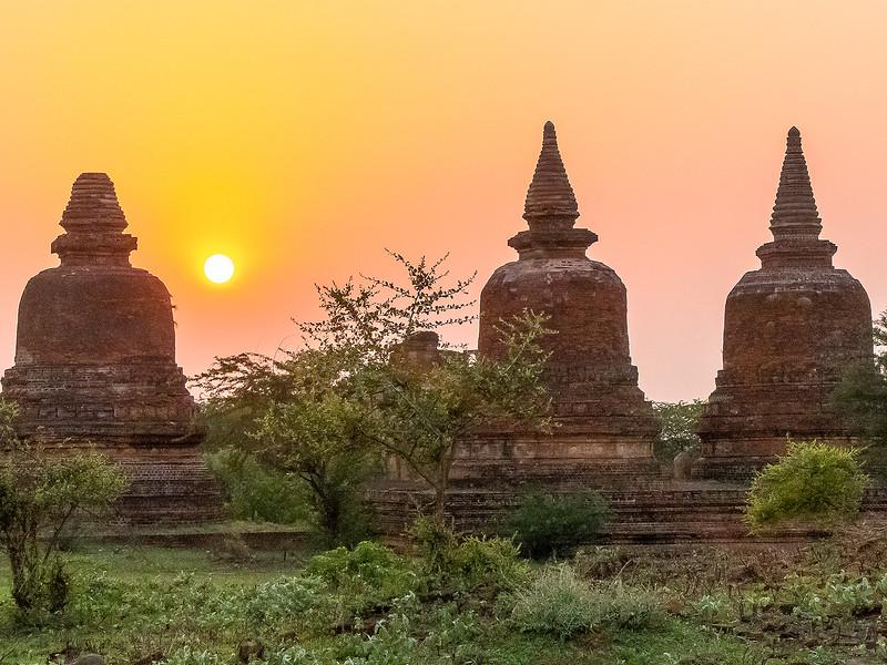 Myanmar Bagan Temples_P1170632.jpg