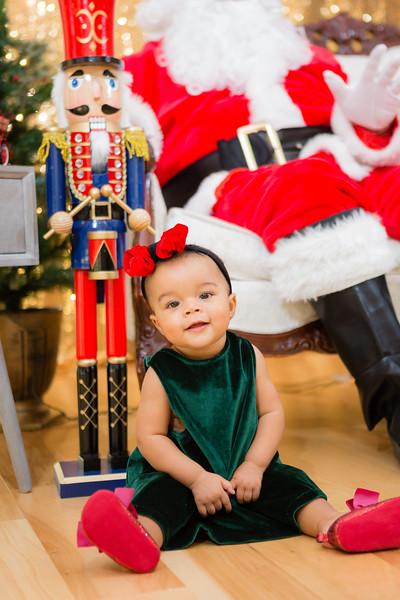 FADS Picture with Santa-186.jpg