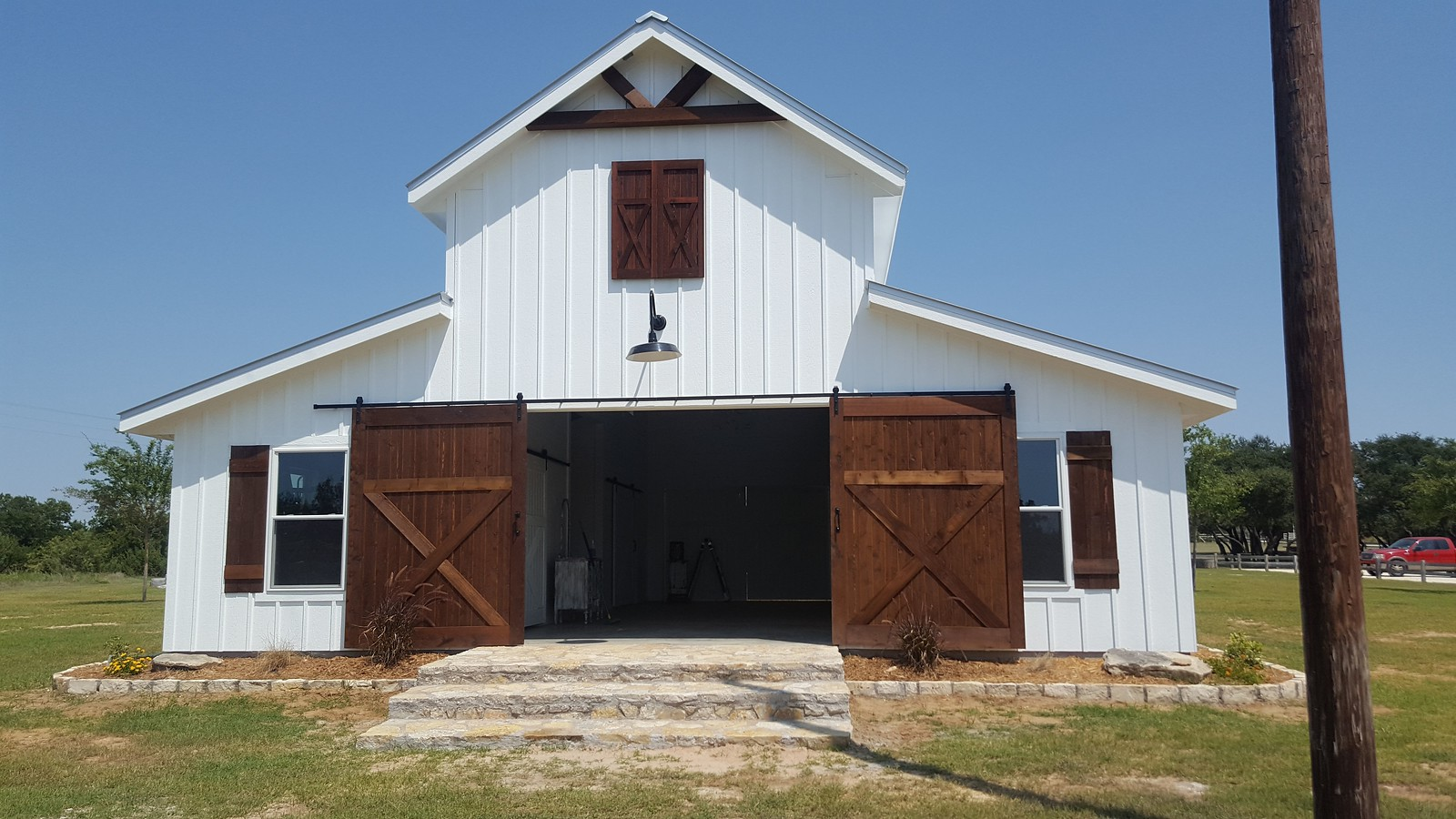 FIve Oaks Farm auxiliary barn
