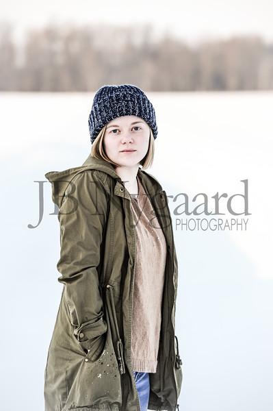 2-07-18 Lani Bischoff - winter Senior Pictures-212.jpg