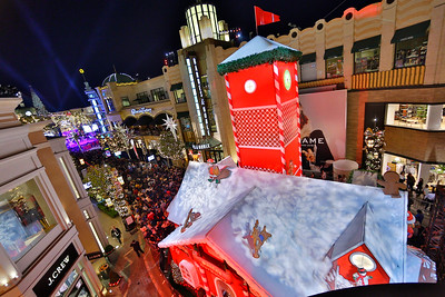 11.17.19 Christmas at The Grove-Sponsors and Atmosphere