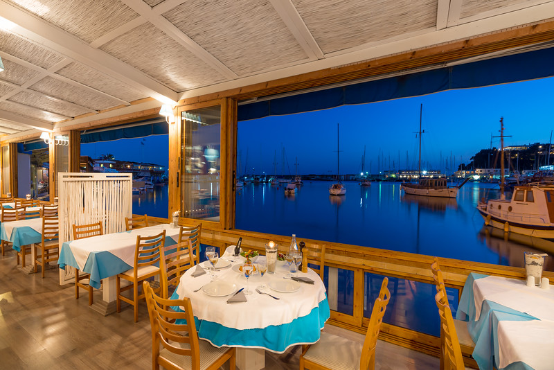 CAPTAIN JOHN'S, Fish Restaurant, Mikrolimano, Piraeus, Greece