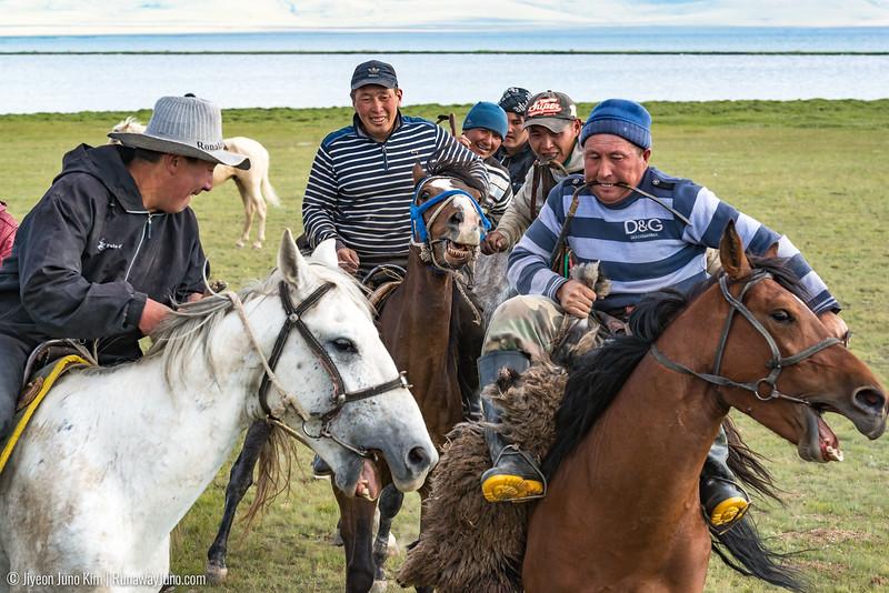 Song Kol Horse Trek-6106752.jpg