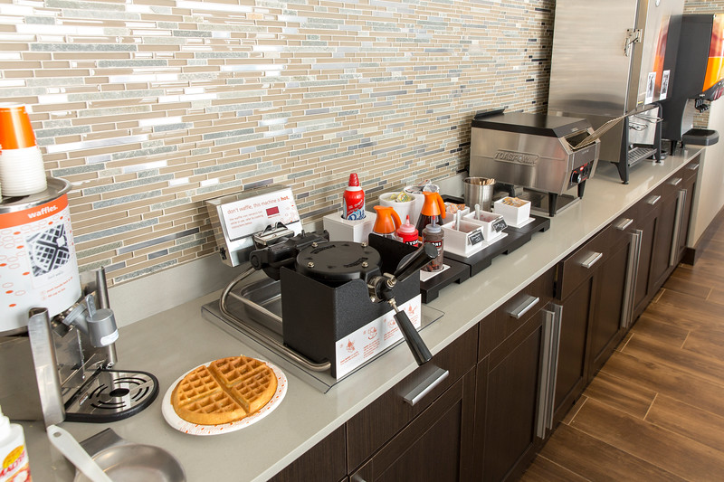 31-Breakfast Waffle Station-Hampton Dallas.jpg