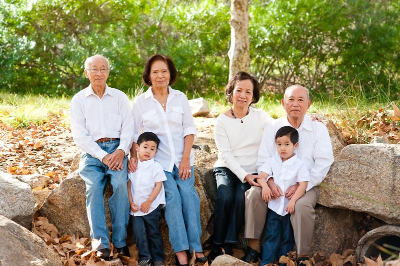Tran Family-25.JPG