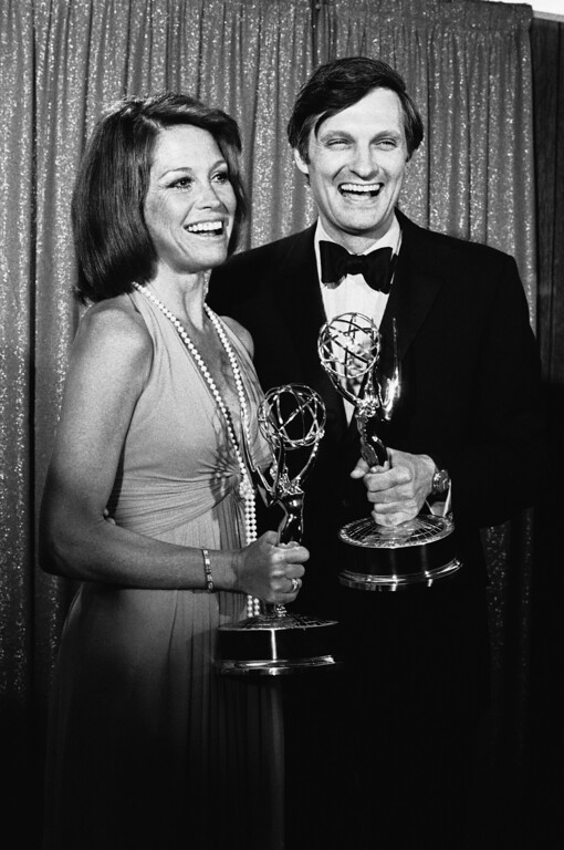 . Mary Tyler Moore and Alan Alda, the brass-taunting Army surgeon of �M*A*S*h*� smile as they pose with the Emmys they won in Los Angeles as best actress and actor of a series, May 28, 1974. (AP Photo/David F. Smith)