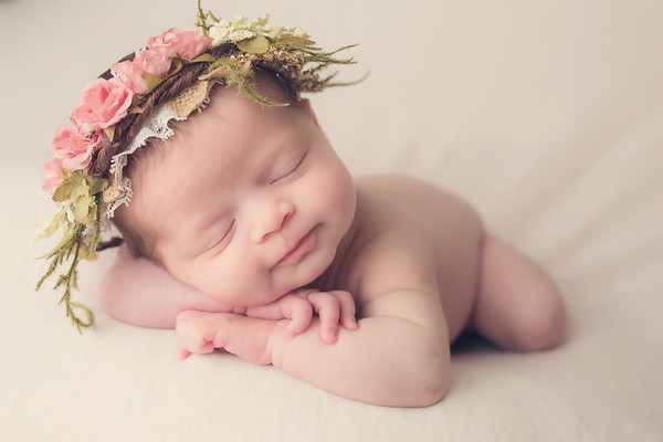 Reaghan Wolf Newborn session