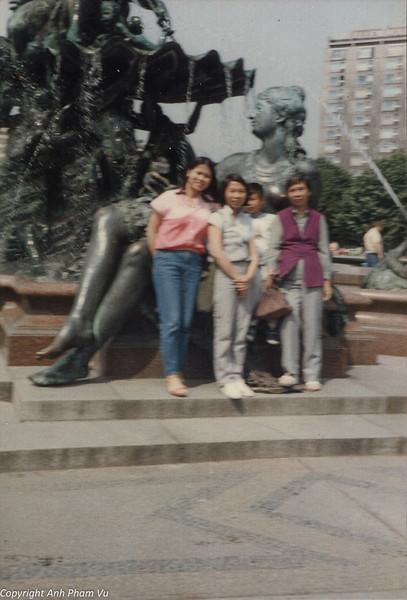 Berlin 80s DDR 19.jpg