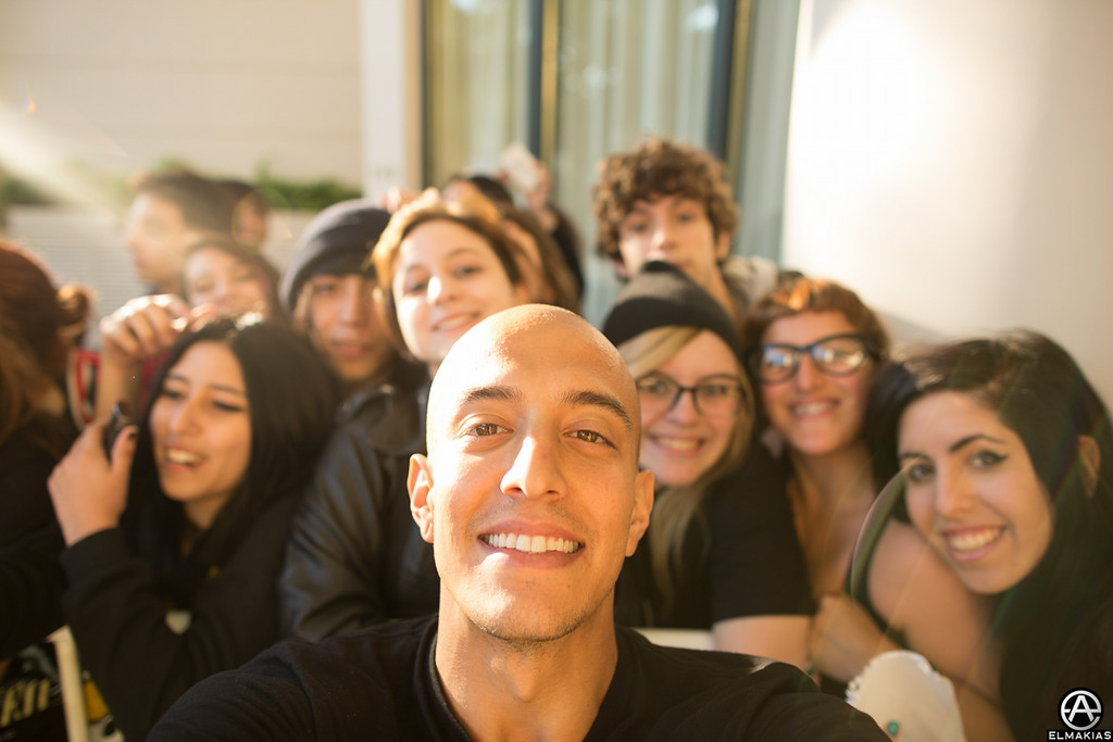 Selfies with fans outside the hotel!