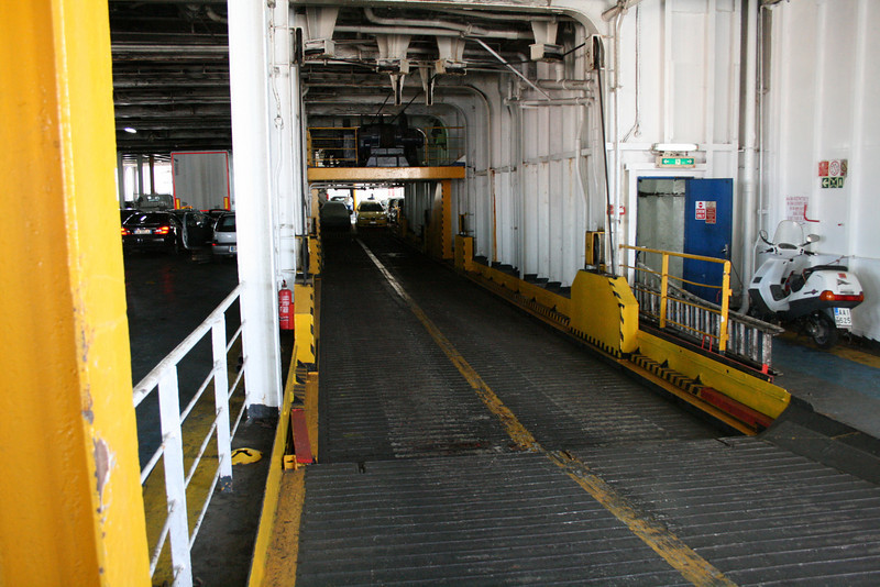 2010 - On board F/B ELLI T : mobile ramp to car deck.
