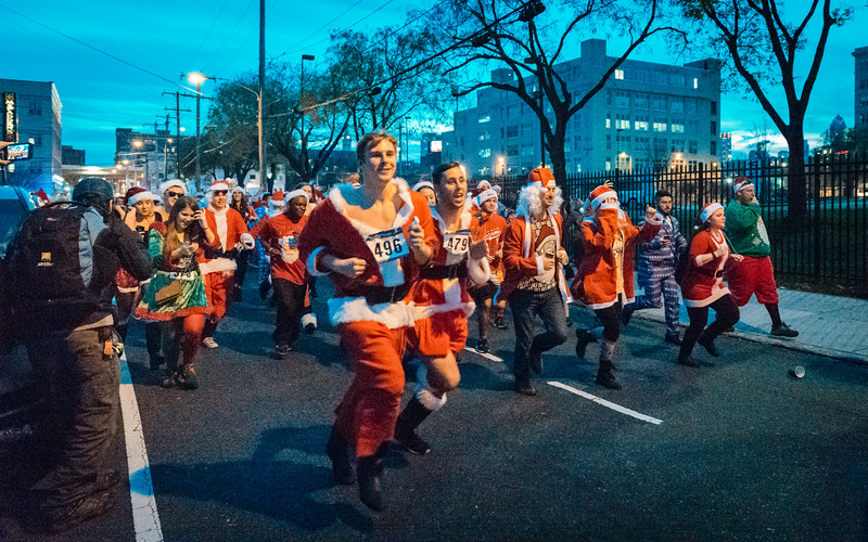 Running with Santa Philadelphia 12-12-2015-3357.jpg