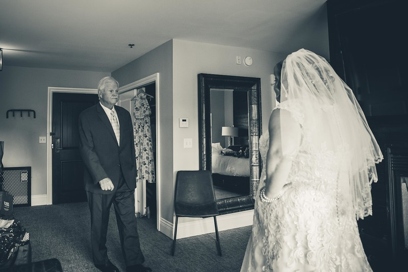 Beloit-WI-Ironworks-hotel-Wedding-Photographere_m_26.jpg