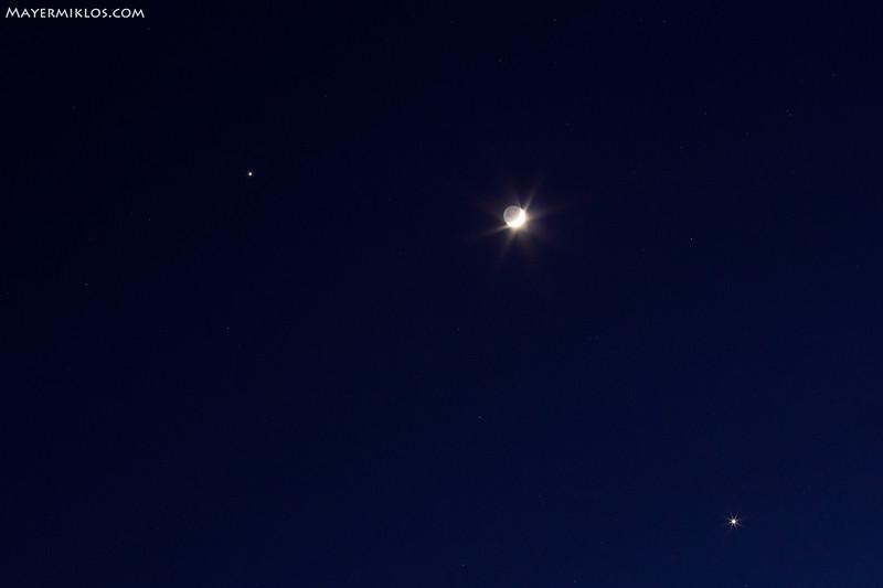 Conjunction of Jupiter, Venus and Moon on the evening of 26th February 2012.  A Jupiter, Vénusz és a Hold együttállása 2012 február 26-n az esti órákban.