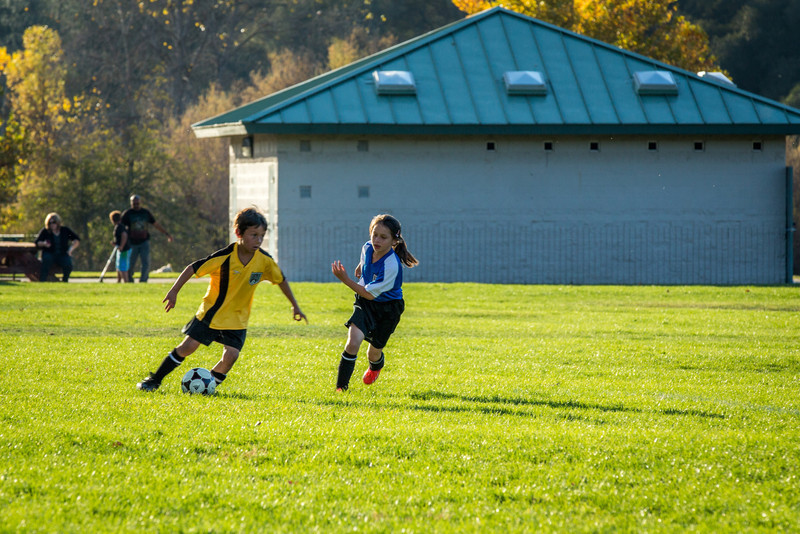 11-09 Sora Eagles Soccer-137.jpg