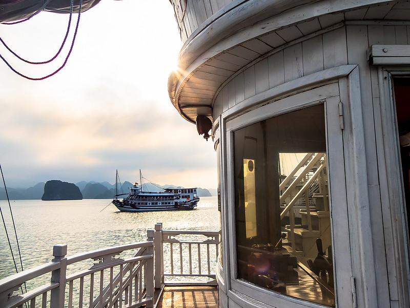 HaLong Bay Vietnam Cruise_P1090377.jpg