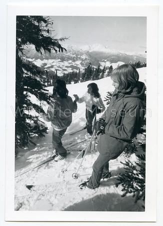 B+W Skiing