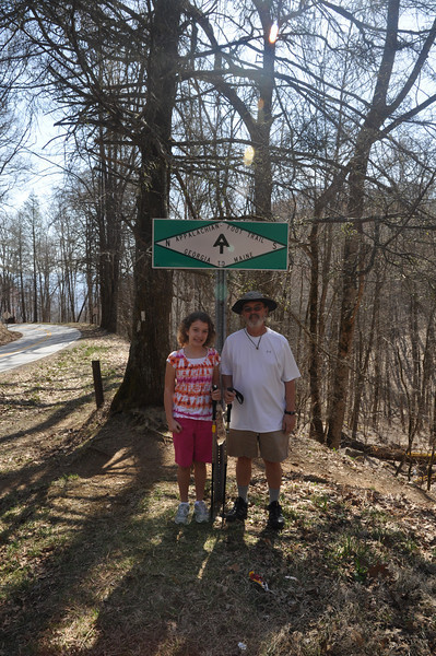 Pepa and Emily at Wallace Gap before their hike.