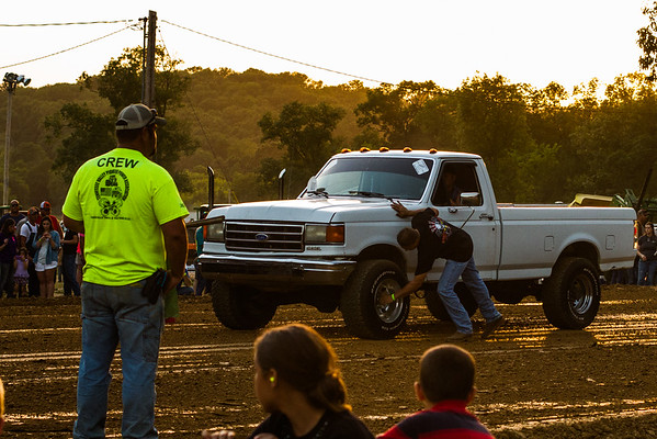 06-13-2015 - Eagleville Tractor Trailer Pull 2015