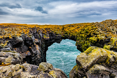 Natural bridge - Island