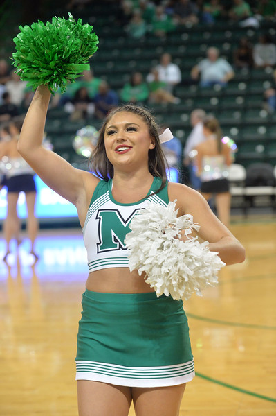 cheerleaders7024.jpg