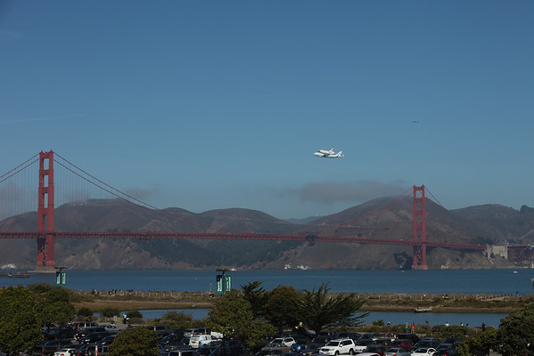 Space Shuttle Endeavor Flyover - Friday September 21st, 2012