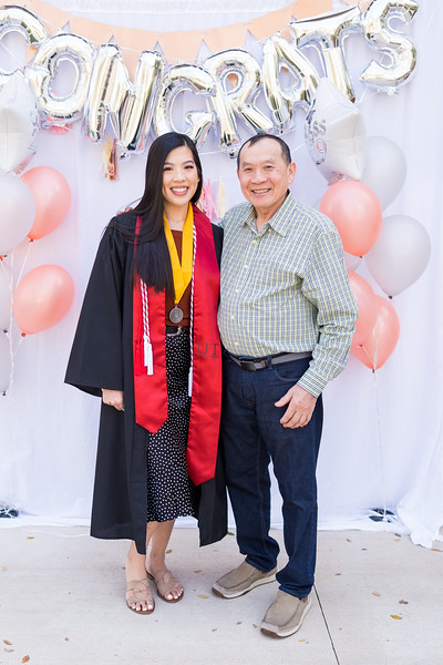 20191208_emilie-ut-grad-party_038.jpg