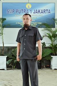 10 Drs. Suroyo Herusatoto