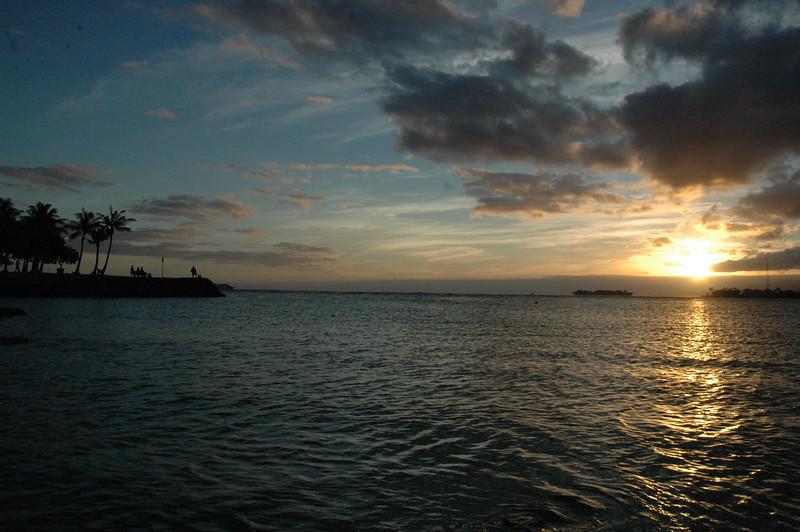 Hawaii - Ala Moana Beach Sunset-42.JPG