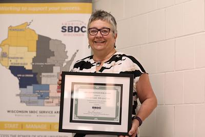 2017 UWL Terri Urbanek SBDC award winner