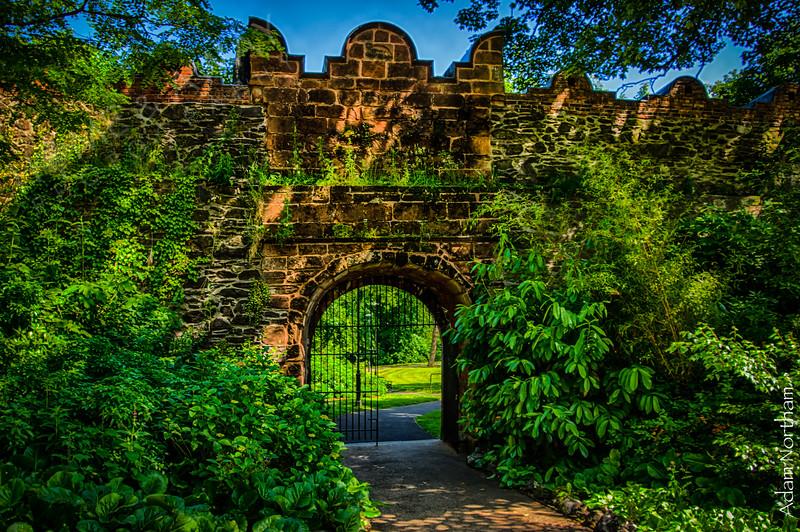 Enter Castle Gardens