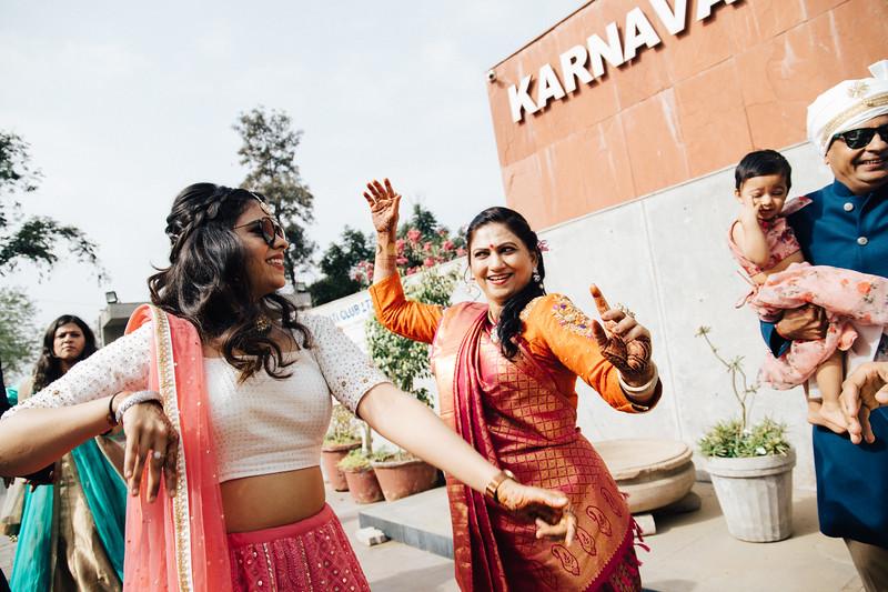 Poojan + Aneri - Wedding Day EOSR Card 1-0411.jpg