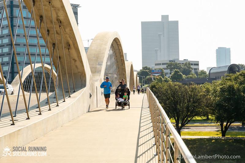 Fort Worth-Social Running_917-0501.jpg
