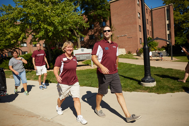2016_UWL_Freshman_Move_in_Day_Welcome_Week_068.jpg