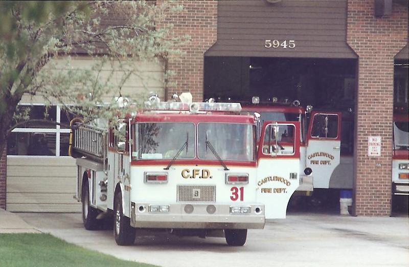 Castlewoood E31 at Station 32.jpg