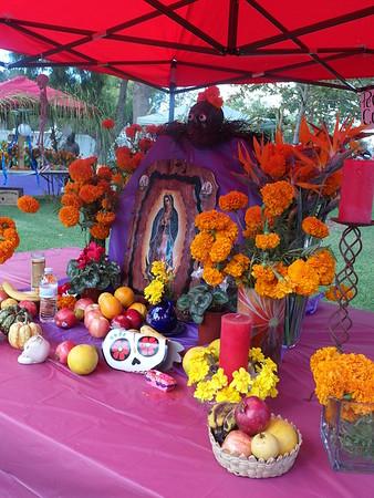 11-02-201 Dia de los muertos parish altars