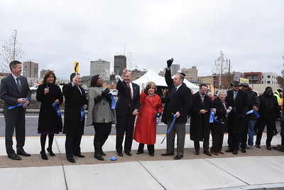 Officials celebrate opening of newly-configured Inner Loop. 11/22/2017
