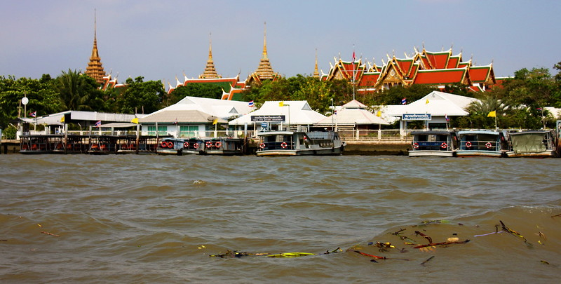 The Grand Palace upon meeting the Chao Phraya River