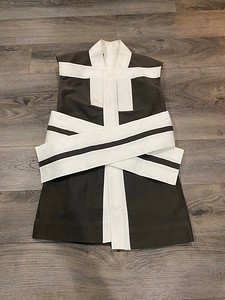 201012-02Off-the-runway Panelled Vest