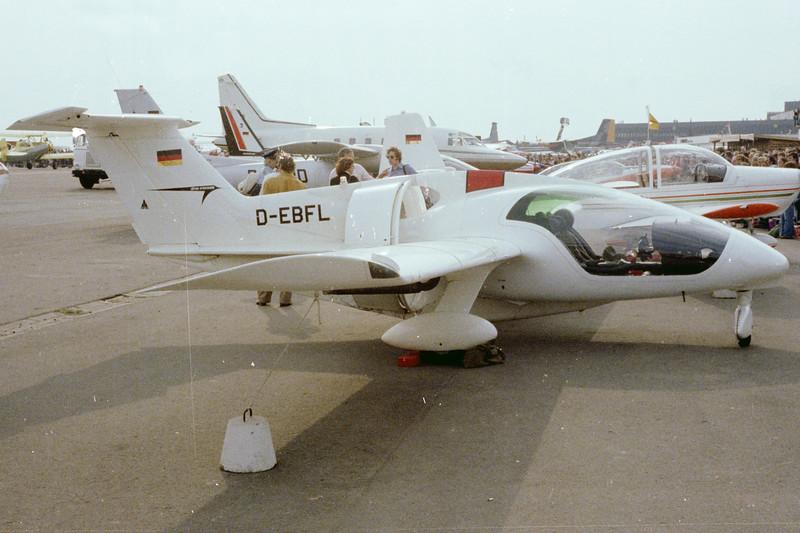 D-EBFL-RFBFanliner-Private-EDVV-1980-POS3-21-KBVPCollection.jpg