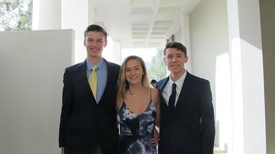 All Eyes on Well-Dressed LCHS Seniors