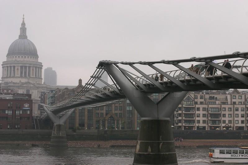 millennium-bridge_2090290360_o.jpg